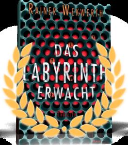 """""""Das Labyrinth erwacht"""" ist als bestes deutschsprachiges Jugendbuch ausgezeichnet worden mit: Segeberger Feder (2013), Ulmer Unke (2013) und dem Jugendbuchpreis des Landes Rheinland-Pfalz, der Goldenen Leslie (2013). Zudem war der Roman nominiert für den Buxtehuder Bullen."""